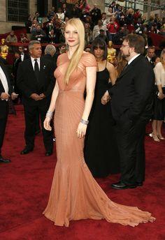 In Zac Posen at the 2007 Academy Awards.   - HarpersBAZAAR.com