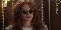"Julia Roberts wearing sunglasses in a movie"""" Outfits Casual, Style Outfits, Grunge Outfits, Julia Roberts Hair, Julia Roberts Style, Fashion Guys, 90s Fashion, Fashion Models, College Fashion"