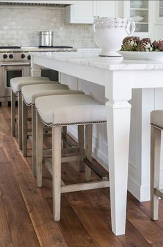 White kitchen with Inset Cabinets - Home Bunch - An Interior Design & Luxury Homes Blog
