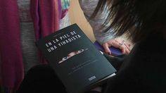 'En la piel de una yihadista' /  Anna Erelle  Mira el booktráiler: http://www.rtve.es/alacarta/videos/telediario/anna-erelle-escribe-libro-piel-yihadista/3067635/ Ficha del catálogo: http://catalogo.ulima.edu.pe/uhtbin/cgisirsi.exe/x/0/0/57/5/3?searchdata1=154416{CKEY}&searchfield1=GENERAL^SUBJECT^GENERAL^^&user_id=WEBSERVER