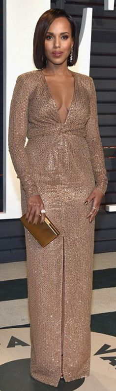 Who made Kerry Washington's clutch handbag. black sandals, jewelry, and gold gown?