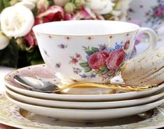 Maxwell & Williams Historic Royal Palaces collection: 'Kensington Palace, Palace Rose' from Joie de Vivre Spring 2014 Vintage Cups, Dinner Sets, High Tea, Tea Set, Cup And Saucer, Tablescapes, Dinnerware, Tea Party, Tea Cups