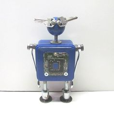 Found Objects Robot Sculpture / Assemblage Robot Figurine - One of a kind unique creation - Unique Gift by VINTAGEandMOREshop on Etsy https://www.etsy.com/listing/453356066/found-objects-robot-sculpture-assemblage