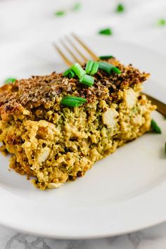 Make this wholesome Cheesy Chickpea, Quinoa & Broccoli Casserole and enjoy leftovers for days! Each serving is full of plant protein, whole grains & vegetables. Vegan & gluten-free!