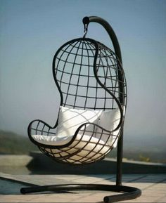 Подвесное кресло из металла