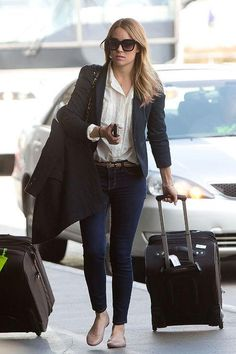 Copy Lauren Conrad's travel outfit the next time you go to the airport - 9 more amazing LC style moments ahead