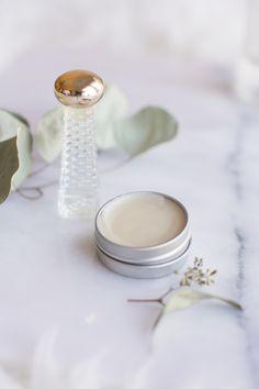 8 DIY to create his perfume Vanilla Essential Oil, Essential Oil Perfume, Perfume Oils, Essential Oil Blends, Essential Oils, Parfum Patchouli, Guter Rat, Homemade Perfume, Beauty