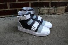 ADIDAS SLVR HIGH TOP BUCKLE sneaker