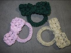 You can find the WRITTEN PATTERN here http://meladorascreations-com.webs.com/bowonarubberband.htm    For all free crochet patterns please visit my site at   http://meladorascreations-com.webs.com/    Also you can see picture updates and posts about future projects on my Facebook Blog at https://www.facebook.com/MeladorCreations and my Google Communit...