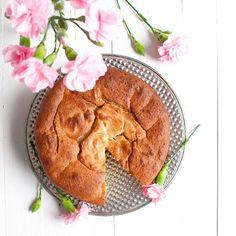 Kaurapannukakut - Vain 4 raaka-ainetta!   The Queen of Delicious Apple Pie, Camembert Cheese, Queen, Desserts, Recipes, Food, Tailgate Desserts, Deserts, Essen