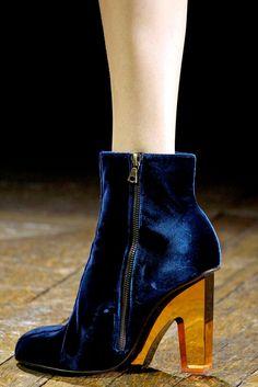 460c559c12601f Dries Van Noten Fall 2011 33 shoes