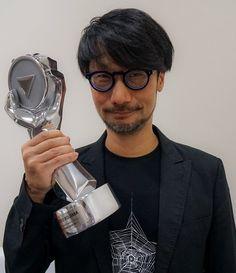 """小島秀夫 on Twitter: """"BGSで生涯功労賞を頂きました。ありがとうございます! https://t.co/jbGmaDnlrr"""""""