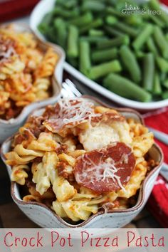 Crock Pot Pizza Pasta ~ Easy Crock Pot Meal Loaded with Pasta, Pizza Sauce, Pepperoni, Hamburger and Cheese! Pizza in a Pot…doesn't sound all that. Crock Pot Pizza, Crock Pot Food, Crockpot Dishes, Crock Pot Slow Cooker, Slow Cooker Recipes, Crockpot Recipes, Cooking Recipes, Slow Cooking, Hamburger Recipes