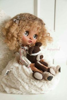One of my favorite custom Blythes ever!!!