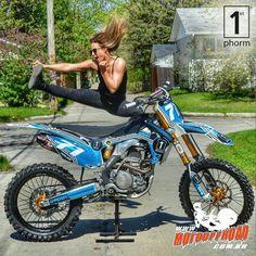 Não mexa na minha moto! www.motooffroad.com.br #mxgirl #trilheira #golpe #moto…