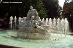 fontaine place Wilson Toulouse Monuments, Ville Rose, Toulouse France, France Europe, Blog Voyage, Statue Of Liberty, Park, Architecture, City