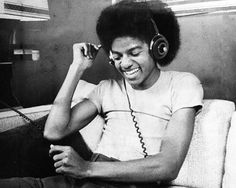 Remembering The King of Pop: How Michael Jackson Changed Music Forever Michael Jackson Change, Young Michael Jackson, Michael Jackson Fotos, Janet Jackson, The Jackson Five, Jackson Family, Oprah Winfrey, Michael Jackson's Songs, New School Hip Hop