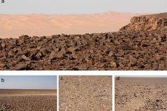Una «alfombra de herramientas» en el Sáhara, el paisaje más antiguo hecho por el hombre  http://w.abc.es/bok8ur