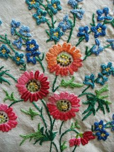 Vintage Hand Embroidered 50 X 50 Linen Tablecloth DAISY FORGET-ME-KNOT