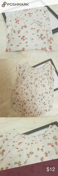 Lc Lauren Conrad Floral Blouse sz XS Super cute and lightweight! Sz XS, does fit a little loose as is the style. 100% polyester fabric. Like new Condition. LC Lauren Conrad Tops Blouses