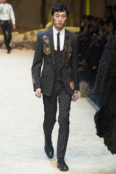 #DolceGabbana  #fashion  #Koshchenets      Dolce & Gabbana Fall 2016 Menswear Collection Photos - Vogue