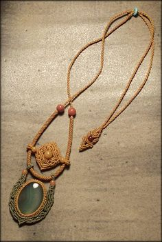 Macrame jewelry necklace with green agate by Mabutirat on Etsy