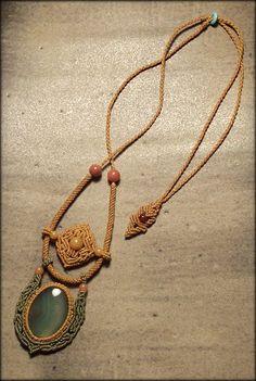 Collier Bijoux macramé avec agate verte pièce par Mabutirat sur Etsy