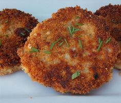 This recipe makes flavorful pan-fried chicken or turkey croquettes that are crisp on the outside and moist on the inside. Turkey Croquettes, Chicken Croquettes, Chicken Patties, Beef Croquettes Recipe, Turkey Patties, Salmon Patties, Pan Fried Chicken, How To Cook Chicken, Chicken Meals