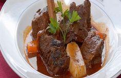 Azorean Beef Stew (Molha de Pico) - Easy Portuguese Recipes