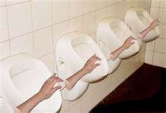 Huge Collection of funny, strange and weird toilets / urinals from around the world Funny Images, Funny Photos, Bing Images, Thomas Crapper, Toilette Design, Pictures Of The Week, Bathroom Humor, Pranks, Funny Jokes