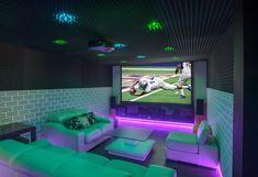 Yeah! Endlich ist es soweit🎉Für viele steigt heute die Party des Jahres!🏈🏆 So wie in unserem Referenzprojekt lässt sich der Superbowl doch genießen. Wie gefällt auch das Heimkino?  #smarthome #loxone #superbowl #homecinema Super Bowl, Imagines, Smart Home, Multimedia, Flat Screen, Party, Home Theater, Projects, Smart House