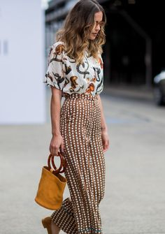 How to wear fall fashion outfits with casual style trends Looks Street Style, Looks Style, Style Me, Look Fashion, Girl Fashion, Fashion Outfits, Womens Fashion, Fashion Trends, Street Fashion