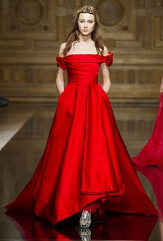 A Gratuitous Gallery of the Most Jawdropping Gowns from Paris Couture