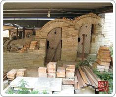 "The ""As You Wish"" Noborigama Kiln, Taiwan  This kiln was also designed and built by Lin Jui-Hua, improving on the noborigama kiln's traditional design. Its high temperature wood-fired creation -- the Mother of Ceramic glaze -- has a beauty which is ever-changing. Noborigama kilns are also called Mu-Tzu Kilns and have a semi-downdraft fire path. At the Zhunan Snake Kiln site."