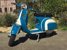 We love the job our mechanic Joe did on this custom SS.  If you'd like to customize your scooter, contact our store - details in our bio.  #VintageScooter #ScooterEvent #RestoredScooter #CustomScooter #SFBucketList #SanFrancisco #Vespa #VespaStyle  #Scooterholic #VespaMania #VespaHobby #ItalianClassic #VintageStyle #Lambretta #PaintJob