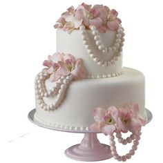 Poised in Pearls Cake ❤ liked on Polyvore featuring food, cakes, wedding cakes, wedding and food and drink