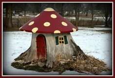 What a GREAT thing to do with a TREE STUMP! by granny_7, via Flickr