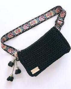 Crochet Motif, Crochet Designs, Crochet Stitches, Knit Crochet, Crochet Patterns, Crochet Clutch Bags, Crochet Purses, Crochet Crafts, Crochet Projects