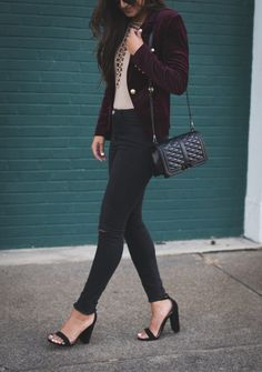 I am SO excited to share with y'all this gorgeous fall look! I fell in love with this fall velvet blazer the moment I laid my eyes on it, so I knew it had to be mine. The only problem was deciding which color to get it in: black or burgundy! Block Heels Outfit, Heels Outfits, Fall Outfits, Work Outfits, Burgundy Blazer, Fall Blazer, Southern Fashion, Oufits Casual, Autumn Winter Fashion