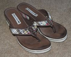 4552468c0f50 American Eagle plaid fabric wedge heel flip flop sandal shoes womens size  6.5  AmericanEagleOutfitters