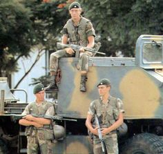 Rhodesian soldiers from Support Commando of the Rhodesian Light Infantry (RLI) wearing Fireforce vest - note their youth Image belongs to: http://www.onesixthwarriors.com/forum/attention-detail-1-1-talk/31115-rhodesia-south-africa-special-forces.html