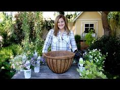 How Many Plants Should You Plant in a Hanging Basket? - Garden Lovers Club How Many Plants Should You Plant in a Hanging Basket? Hanging Basket Garden, Plants For Hanging Baskets, Hanging Planters, Hanging Flower Pots, Hanging Gardens, Fall Planters, Container Plants, Container Gardening, Succulent Containers