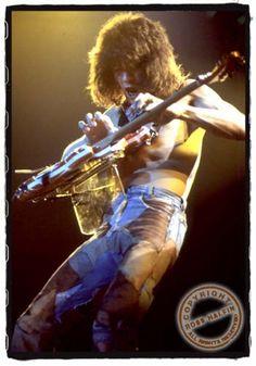 Photos: Van Halen in Concert & Backstage, Eddy Van Halen, Alex Van Halen, Heavy Metal, Heavy Rock, David Lee Roth, Music Pics, Music Stuff, Rock Legends, Dance The Night Away