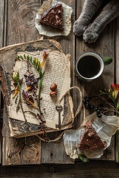Sarcastic old witch. High Priestess Temple of Witchcraft. Mostly reasonable answers to witchcraft questions. Momento Cafe, Café Chocolate, Witch Aesthetic, Nature Aesthetic, Aesthetic Vintage, Kitchen Witch, Book Of Shadows, Coffee Break, Food Styling