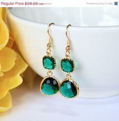 love these emerald earrings