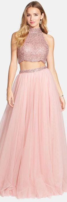 Sherri Hill Tips to Wearing a Floral Chiffon Blouse There are objects that every female have to have Floral Chiffon, Chiffon Skirt, Prom Dresses, Formal Dresses, Sherri Hill, Cinderella, Female, Blouse, Skirts