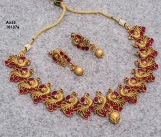Fulfill a Wedding Tradition with Estate Bridal Jewelry India Jewelry, Temple Jewellery, Kerala Jewellery, Bridesmaid Jewelry, Wedding Jewelry, Gold Jewellery Design, Gold Jewelry, Nice Jewelry, Jewelry Patterns