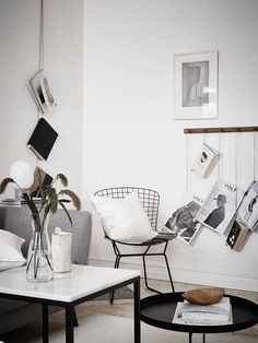 Dangling books/magazines