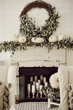Vintage Decor Ideas A Very Neutral Fall Mantel - You guys know that I love neutral decor. I mean, I hope you know that. It's not like I don't love color, because I do, but my cozy peaceful retreat is somewhere in between super neutral Fall Home Decor, Autumn Home, Diy Home Decor, Vintage Home Decor, Rustic Decor, Farmhouse Decor, Rustic Style, Country Style, Modern Country