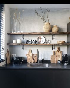 Redecorated the kitchen shelves lately . Cafe Interior, Kitchen Interior, Kitchen Design, Black Kitchens, Home Kitchens, Cute Living Room, Boho Kitchen, Kitchen Upgrades, Interior Decorating